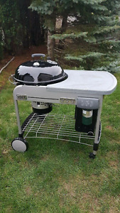 22 inch Charcoal BBQ - WEBER + cover