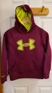 Girls youth S under armour hoodie