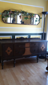 Buffet antique et miroir antique