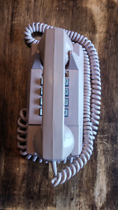 Vintage GTE AUTOMATIC ELECTRIC BEIGE PUSH BUTTON WALL TELEPHONE