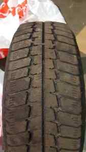 2 Winter tires honda civic. 195/65/15 West Island Greater Montréal image 4