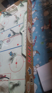 Vintage 1957 eagle table hockey