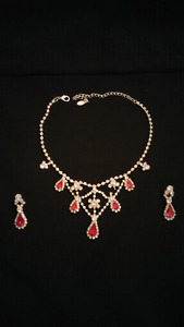 Rubi necklace set