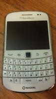 Unlocked Blackberry Bold 9900 for sale, white