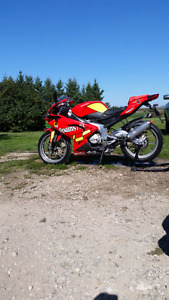 RARE* 2009 aprilia rs 125 TWO STROKE street legal