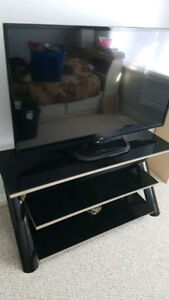 """TV Stand - Glass - Up to 55""""- Mint"""