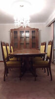 Oak Dinning Table & Hutch