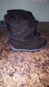 Toddler boy Winter Boots Size 5 Kingston Kingston Area image 2