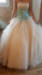 Prom/wedding dress size 0-2