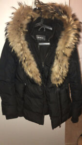 MACKAGE (ADALI) FITTED WINTER DOWN COAT WITH HOOD AND FUR TRIM