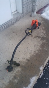 Weed trimmer 25cc gas in new condition