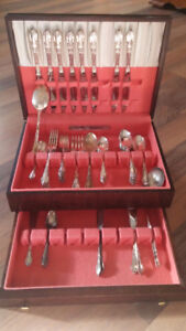 Cased set of Enchantment-Londontown 1952, Place Setting