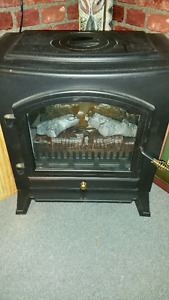 Foyer style poêle à bois avec simulation de flammes, électrique,