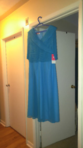 DRESS FOR SALE (NEVER WORN)