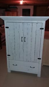 armoire rustique