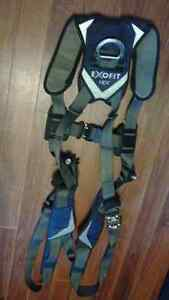 For sale Both Fall Arrest Harness& Lanyard St. John's Newfoundland image 2