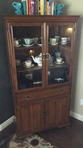 China cabinet 125$ obo