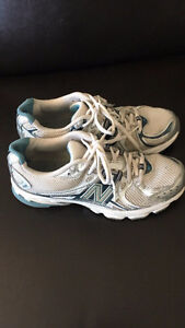 Chaussures New Balance pour femme taille 8