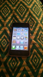 Old 32gb Ipod Touch with Bluetooth 4 Sale