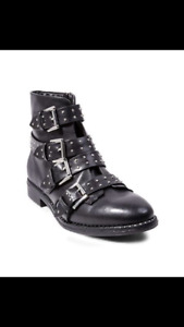 In box black Steve Madden boots ankle