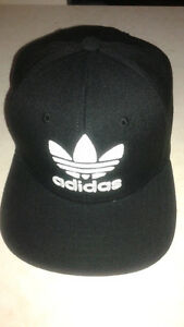 Men's Adiddas Hat . One Size Fits All.