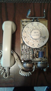 VINTAGE: 1970's Northern Telecom Rotary Dial Wall Telephone Windsor Region Ontario image 4