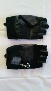 NIKE WORKOUT GLOVES FOR A GOOD DEAL!!!!!!!!!!!!!!!!!!!!!!!!