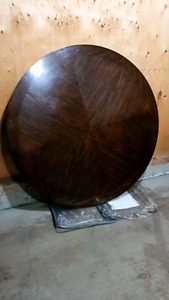 5ft  round solid wood table