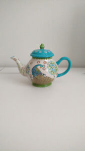 Handpainted Ceramic Peacock Teapot Dishwasher & Microwave Safe