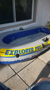 Explorer pro 200 dingy inflatable boat used once