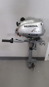 Honda 4 stroke 2HP Outboard Motor