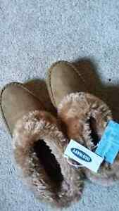 BNWT Old Navy slippers