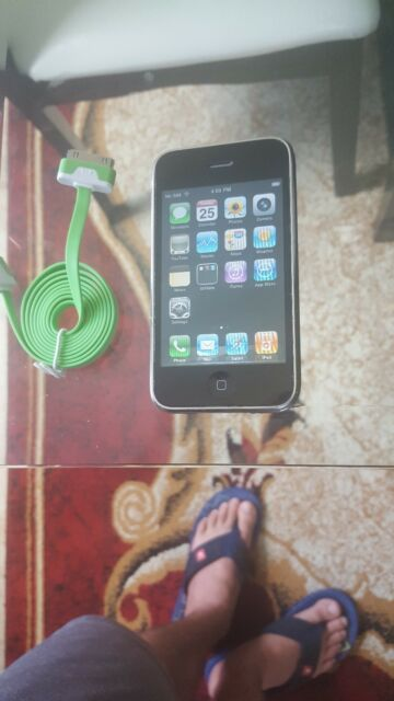 Apple iPhone 3G - 16GB - Black (Unlocked) Smartphone