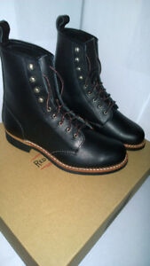 ***** BRAND NEW WOMEN'S RED WING BOOTS (MADE IN THE USA) *****