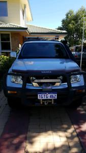 2011 Nissan Navara ST - low kms.