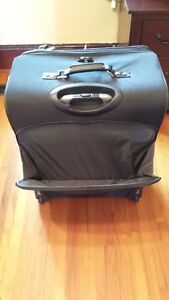 """Travel Pro Crew 6 28"""" Expandable Roller Board Suitor Suitcase Kingston Kingston Area image 10"""