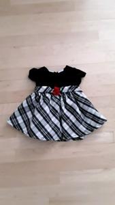 Petite robe de Noël, noir et blanc, 6 mois