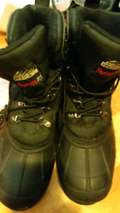 MENS WINTER FSLL BOOTS KICKS SIZE 12