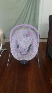 2 Sièges berçantes + 1 sièges bebe