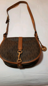 Micheal kors leather purse with matching wallet