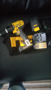 New 20 volt hammer Drill, 2batteries, charger and case