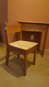 Retro Solid Wood Student Desk & Chair
