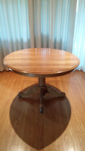 classic oak table and chairs