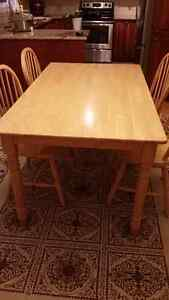 Moving sale-Wood dinning table and chairs