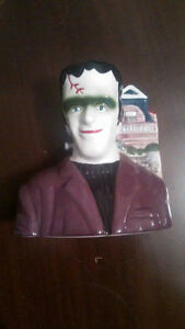 "1996 Kayro Vue ""THE MUNSTERS"" RARE Salt Shaker great condition!! Kingston Kingston Area image 1"