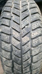 1 pneu p225-60r16  hankook ipike
