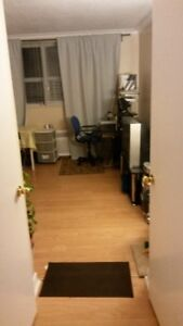 Short term bachelor apartment rent, all utilities included!!