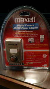 Maxell Digital Camera AC/DC Universal Power Adapter.