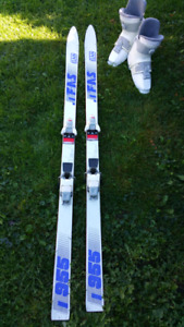 Downhill skis with bindings and boots