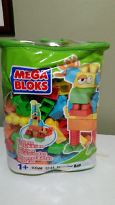 Monster Mega Block Set